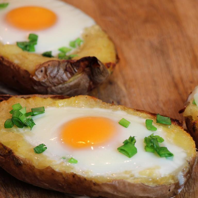 stuffed potatoes with eggs